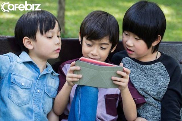 Bác sĩ Việt khẩn cầu: Hãy cứu những đứa trẻ nói giọng Youtube, cha mẹ ơi, xin hãy thức tỉnh! - Ảnh 2.