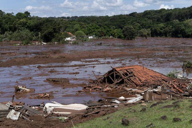 Brazil: Vỡ đập chất thải, hơn 200 người mất tích trong bùn lầy - Ảnh 7.