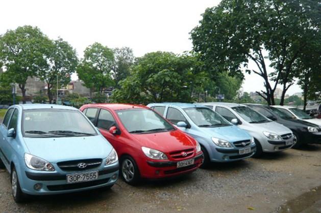 Giá thuê xe tự lái dịp Tết tăng gấp rưỡi, nhiều cơ sở hết xe - Ảnh 1.