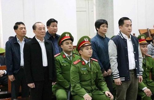 Vì sao ông Nguyễn Hữu Tín, Trần Văn Minh, Văn Hữu Chiến không xuất hiện ở phiên tòa Vũ nhôm? - Ảnh 1.