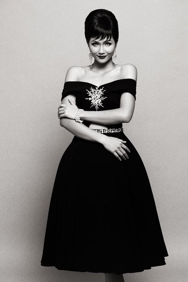 HHen Niê hóa thân thành huyền thoại Audrey Hepburn mừng ngày trở thành Hoa hậu đẹp nhất thế giới - Ảnh 1.