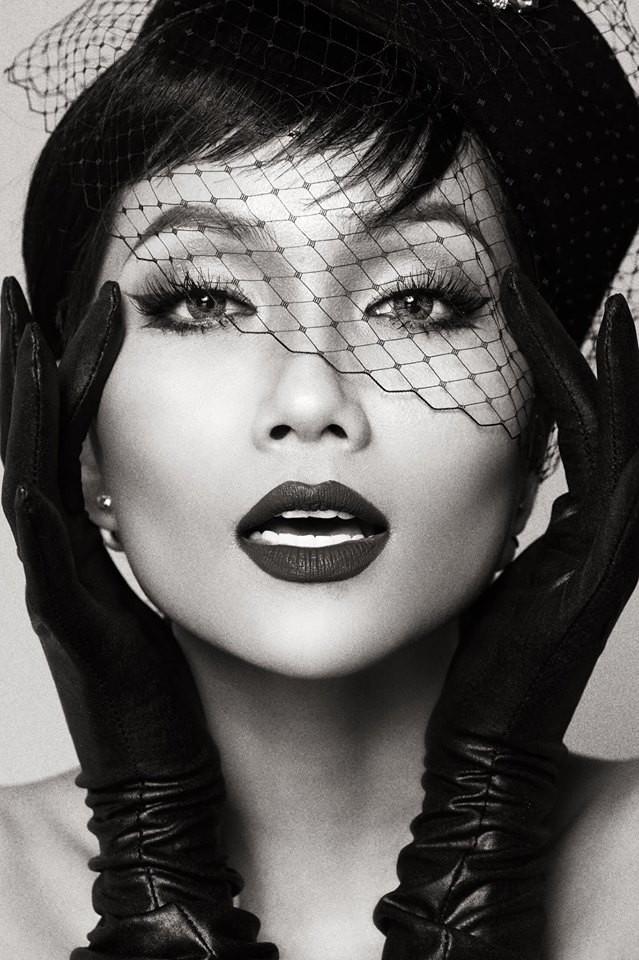 HHen Niê hóa thân thành huyền thoại Audrey Hepburn mừng ngày trở thành Hoa hậu đẹp nhất thế giới - Ảnh 11.