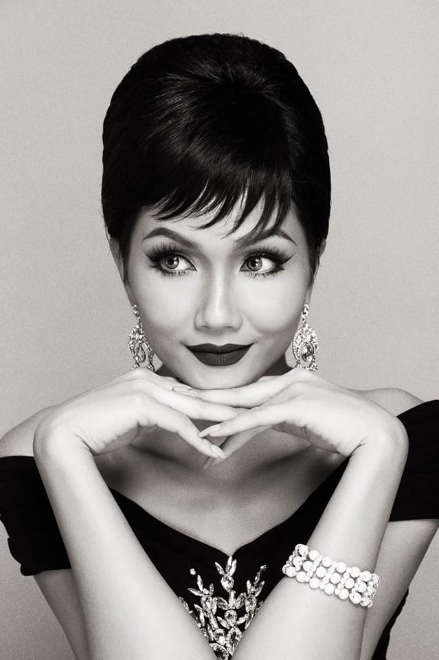 HHen Niê hóa thân thành huyền thoại Audrey Hepburn mừng ngày trở thành Hoa hậu đẹp nhất thế giới - Ảnh 7.