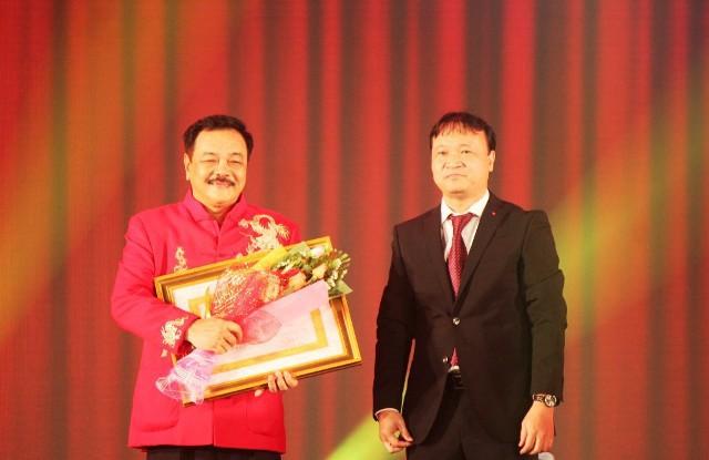 10 gia đình doanh nhân tiếng tăm lừng lẫy chi phối nhiều ngành kinh doanh tại Việt Nam - Ảnh 9.