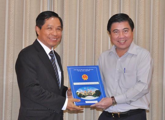 TP HCM: Chính thức miễn nhiệm ông Lê Nguyễn Minh Quang - Ảnh 1.