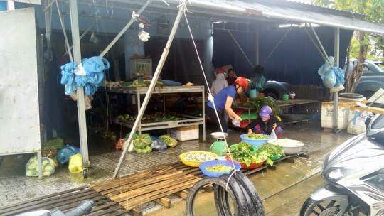 Ảnh hưởng bão số 1, hành lá ở Phú Quốc 150.000 đồng/kg - Ảnh 2.