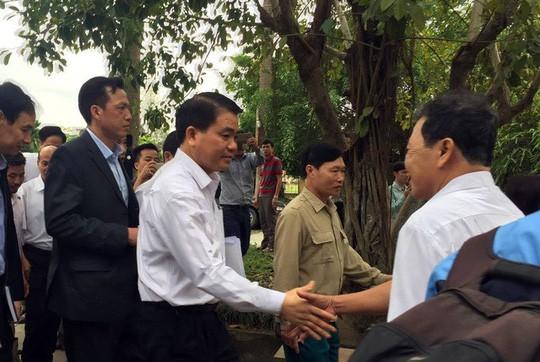 Hà Nội cấm công dân quay phim, chụp ảnh, ghi âm nơi tiếp dân khi chưa được cho phép - Ảnh 1.