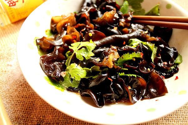 Đây là loại thực phẩm màu đen được chuyên gia mách nên ăn nhiều vào mùa đông vì có những lợi ích tuyệt vời - Ảnh 2.