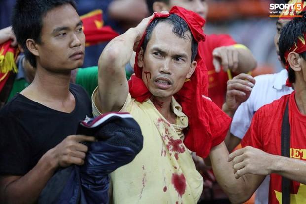 Tuyển Việt Nam đối đầu Malaysia: Fan Việt từng phải đổ cả máu và rất nhiều nước mắt cho cặp đấu kịch tính hàng đầu Đông Nam Á - Ảnh 3.