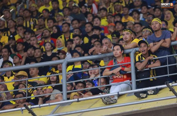 Tuyển Việt Nam đối đầu Malaysia: Fan Việt từng phải đổ cả máu và rất nhiều nước mắt cho cặp đấu kịch tính hàng đầu Đông Nam Á - Ảnh 11.