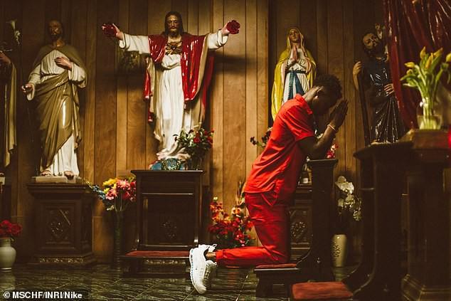 Nike tung mẫu giày được quảng cáo có chứa Nước Thánh với giá 70 triệu/đôi và bán hết veo chỉ trong vài giờ lên kệ - Ảnh 10.