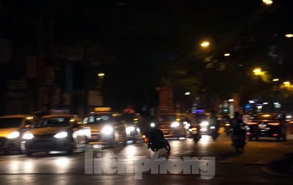 Cảnh sát trắng đêm chống đua sau trận Việt Nam thắng Malaysia - Ảnh 6.