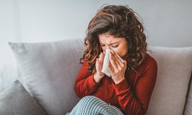 Chỉ với 10 bước đơn giản, bạn có thể đỡ ngay cảm cúm chỉ trong 24 giờ - Ảnh 1.
