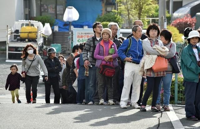 Khi đất nước bị thiên tai tấn công, những người vợ Nhật Bản đã thể hiện kỹ năng không chỉ cơm áo mà còn giúp cả gia đình sinh tồn - Ảnh 15.
