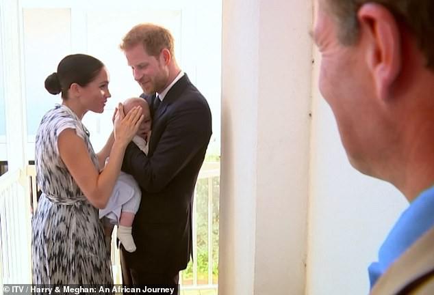 Meghan Markle bị chỉ trích là lố bịch khi dùng con trai Archie để chiếm sóng chuyến đi công du của chị dâu Kate - Ảnh 2.