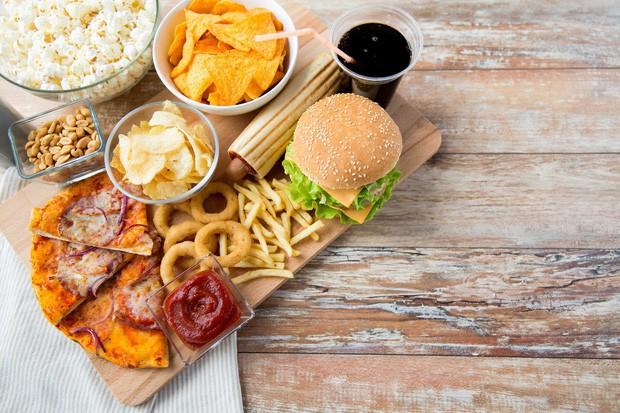 Thói quen kén ăn, chế độ ăn uống nghèo nàn có thể dẫn đến suy giảm thị lực nghiêm trọng cả hai mắt - Ảnh 1.