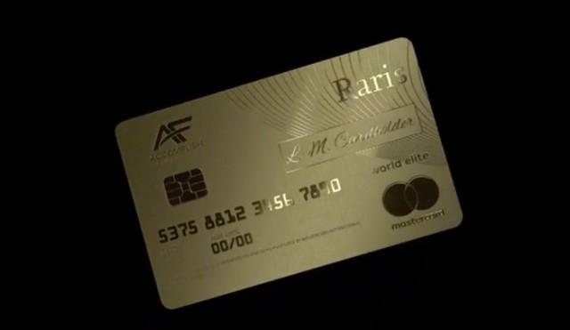 Hoàng gia Anh phát hành thẻ tín dụng bằng vàng nguyên khối - Ảnh 5.