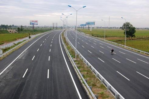 Ngân hàng sẽ cố gắng vốn cho dự án cao tốc Bắc Nam trong khả năng, đảm bảo an toàn - Ảnh 1.