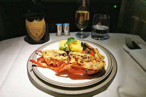 Suất ăn hạng nhất của 15 hãng hàng không này sẽ làm thay đổi quan niệm của bạn về chuyện ăn uống trên máy bay - Ảnh 31.