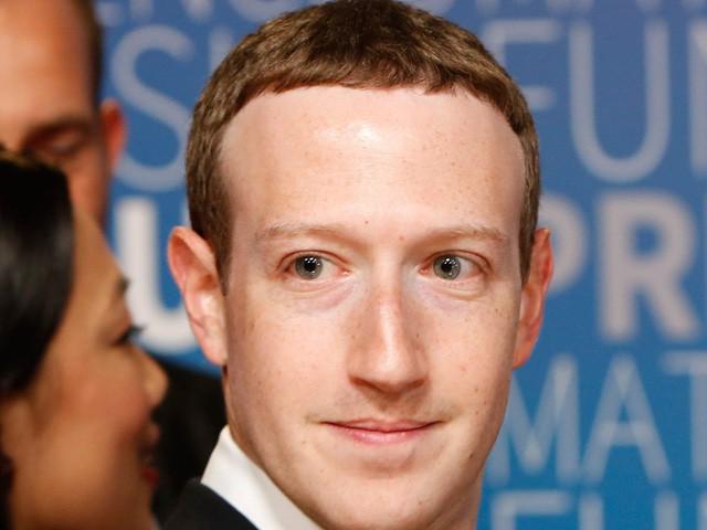 Để kiểu tóc 'bát úp quý tộc' đi điều trần trước Quốc hội Mỹ, Mark Zuckerberg bị một nữ Nghị sỹ 'cà khịa' ngay tại trận và bị 'troll' bất tận trên Twitter - Ảnh 2.