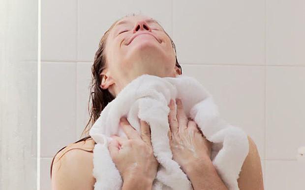 Đây đích thị là những thói quen tắm gây hại cho sức khỏe mà bạn không nên tiếp diễn hàng ngày - Ảnh 5.