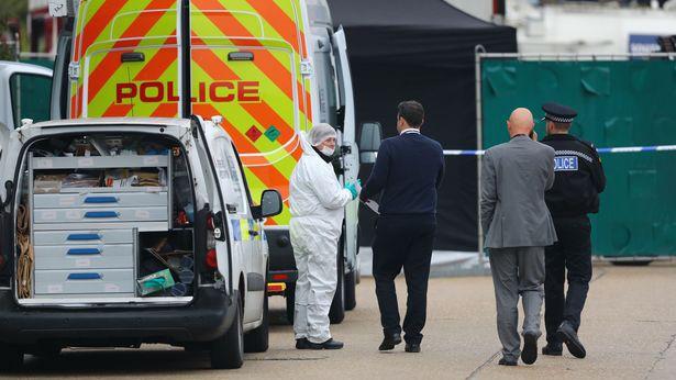 Cảnh sát châu Âu nhập cuộc điều tra vụ 39 thi thể trong container - Ảnh 1.