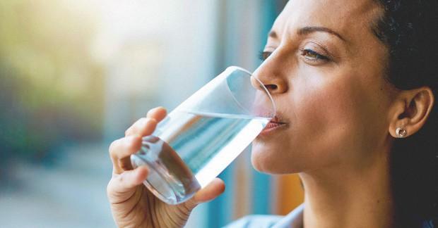 """Duy trì thói quen uống nước trong 4 thời điểm vàng này, cơ thể sở hữu thêm nhiều """"đặc quyền"""" không loại thần dược nào làm được - Ảnh 3."""