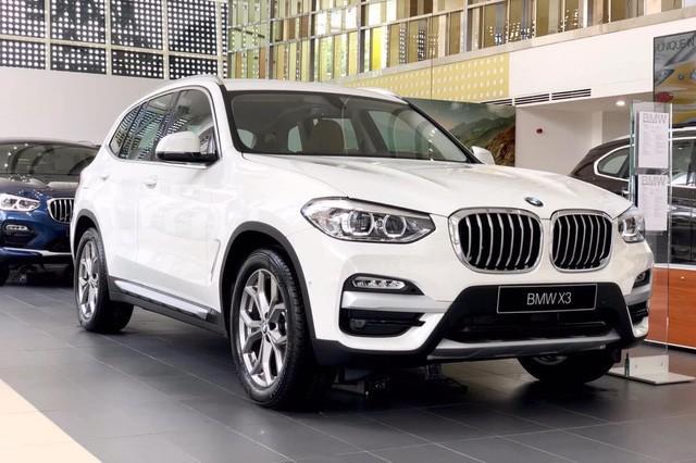 THACO lần đầu giảm giá BMW X3 và X5 cả trăm triệu đồng, 'xuống nước' trước Mercedes-Benz GLC và GLE - Ảnh 2.