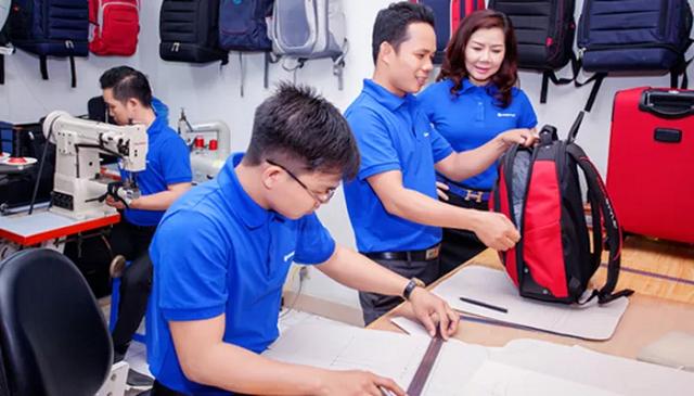 Việt Nam xuất khẩu hơn 1 tỷ USD túi xách, vali, mũ, ô dù vào thị trường Mỹ - Ảnh 1.