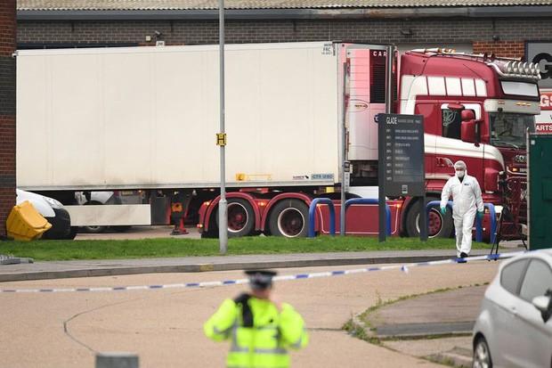 Vụ 39 thi thể trong container: Các nạn nhân thiệt mạng có thể không phải do chết cóng - Ảnh 1.