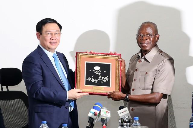 Phó Thủ tướng Vương Đình Huệ: Việt Nam mong muốn giao lưu văn hoá, thể thao với Nigeria  - Ảnh 3.