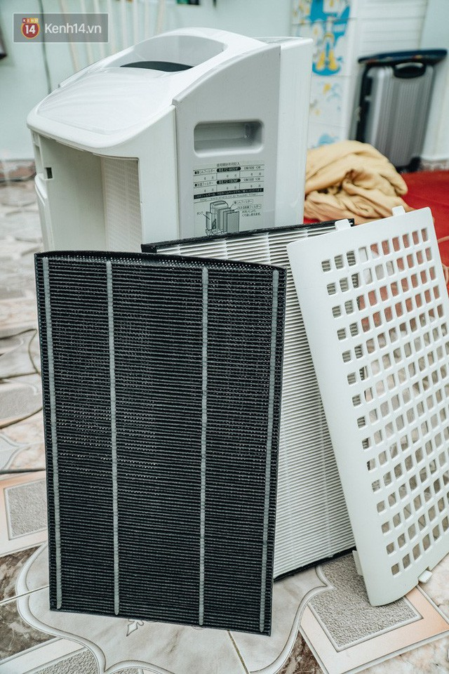 Người Hà Nội bỏ tiền triệu mua khẩu trang xịn và máy lọc không khí, xuất hiện nhiều lời chào hàng chưa kiểm định trên MXH - Ảnh 3.