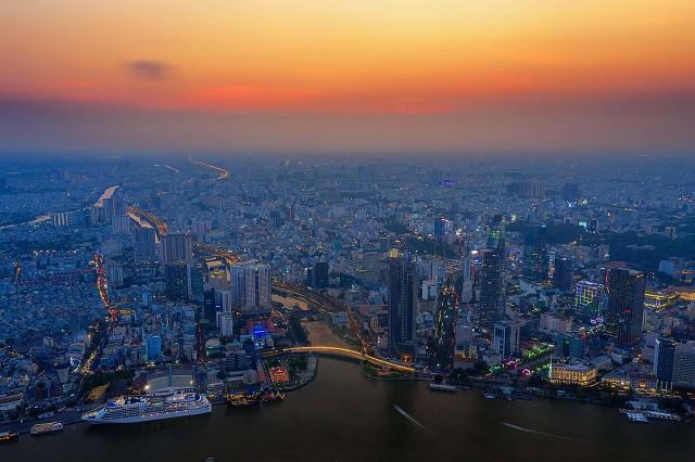 Địa ốc TP HCM chững lại, cơ hội vàng cho Bình Dương, Đồng Nai, Long An - Ảnh 2.