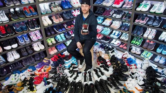 Thành startup tỷ USD nhờ bán giày như giao dịch chứng khoán - Ảnh 1.