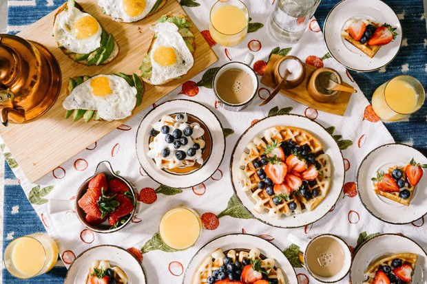 Tại sao các khách sạn thường phục vụ bữa sáng buffet miễn phí cho khách? Như vậy là họ lỗ hay lời? - Ảnh 5.