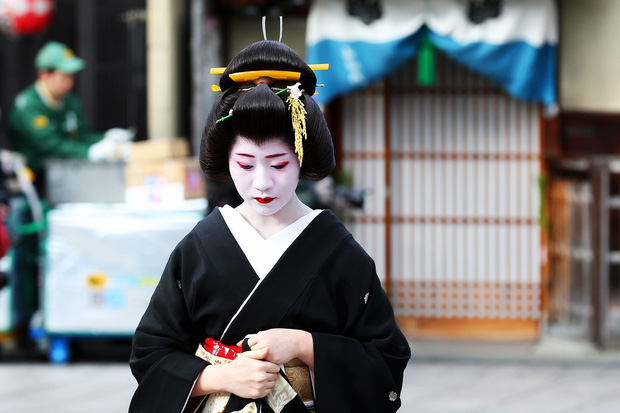 Mặt trái trong văn hóa kiên trì nổi tiếng của người Nhật: Từ một chữ Nhẫn, tích tụ mãi cũng đến lúc vỡ bờ - Ảnh 2.