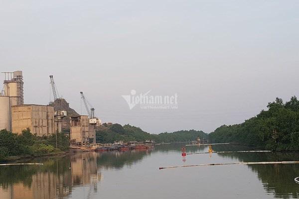 Bục đường ống Xi măng Chinfon Hải Phòng, dầu tràn ra sông - Ảnh 12.