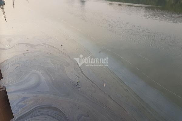 Bục đường ống Xi măng Chinfon Hải Phòng, dầu tràn ra sông - Ảnh 8.