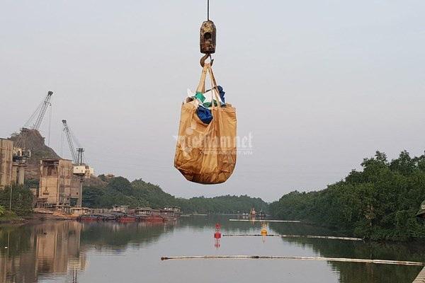 Bục đường ống Xi măng Chinfon Hải Phòng, dầu tràn ra sông - Ảnh 10.