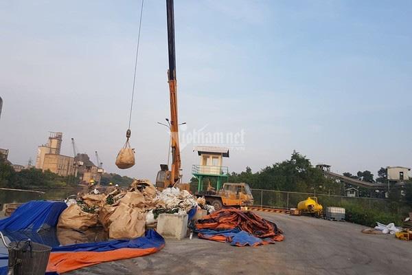 Bục đường ống Xi măng Chinfon Hải Phòng, dầu tràn ra sông - Ảnh 11.