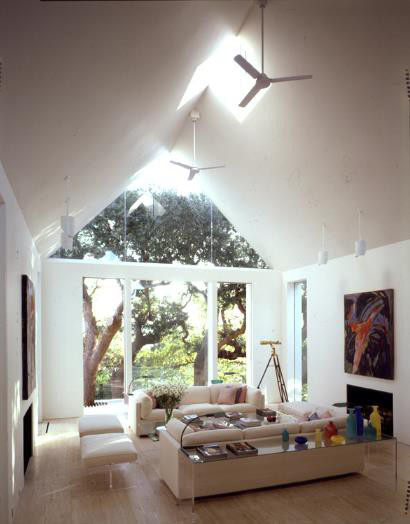 Mẫu nhà mái tam giác 2 tầng đẹp long lanh với chi phí thấp - Ảnh 5.