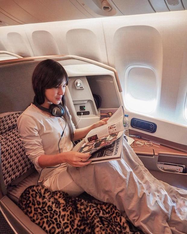 Choáng với vé máy bay ghế hạng nhất giá 600 triệu: Xa xỉ, tiện nghi như khách sạn thu nhỏ, khách còn được tắm nước nóng trong 5 phút - Ảnh 2.