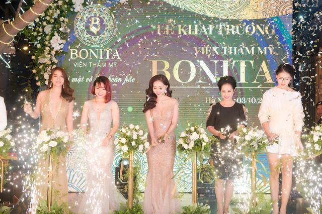 Chân dung nữ Phó giám đốc chi nhánh xinh đẹp vừa bị khởi tố tội chiếm đoạt tài sản của TPBank - Ảnh 1.