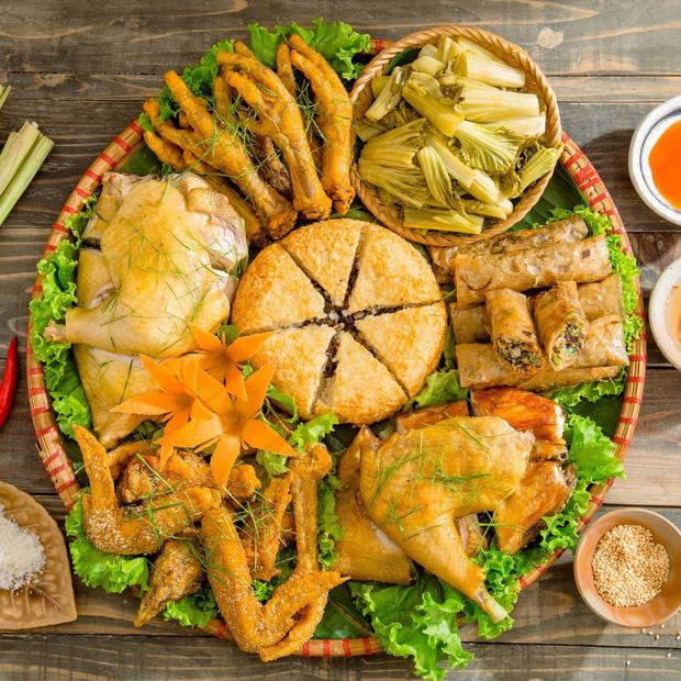 Thịt gà đại bổ nhưng những người mắc dù 1 trong 6 bệnh này cũng nên tránh ăn nếu không muốn bệnh tình thêm nặng - Ảnh 2.