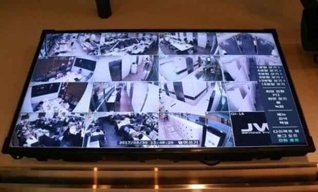 """Đột nhập phòng học """"biệt giam trắng"""" khiến con phát điên của giới nhà giàu Hàn Quốc: Không được ra ngoài đi vệ sinh, camera 24/24 giám sát - Ảnh 2."""