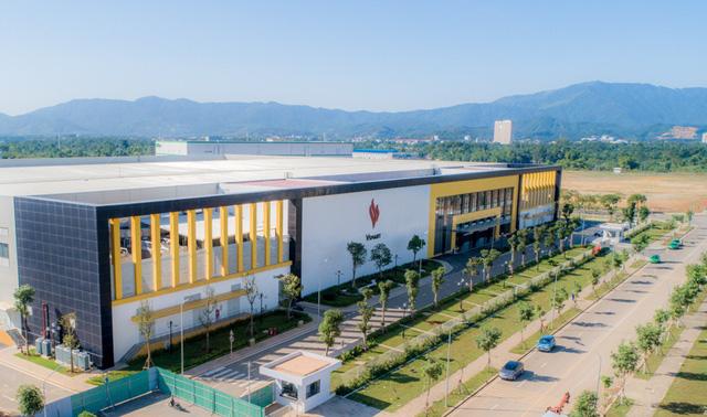 Khám phá tổ hợp nhà máy Vsmart mới tại Hòa Lạc được kỳ vọng đưa Vingroup thành cái tên đáng gớm trong ngành sản xuất smartphone - Ảnh 1.