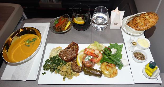 Chuyên trang du lịch công bố 10 hãng hàng không có đồ ăn cao cấp và ngon nhất thế giới, top 2 đều nằm ở châu Á - Ảnh 17.