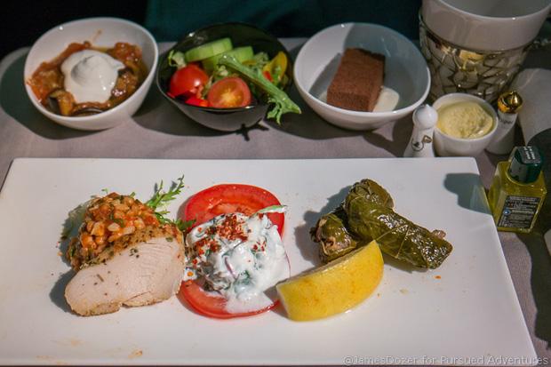 Chuyên trang du lịch công bố 10 hãng hàng không có đồ ăn cao cấp và ngon nhất thế giới, top 2 đều nằm ở châu Á - Ảnh 18.