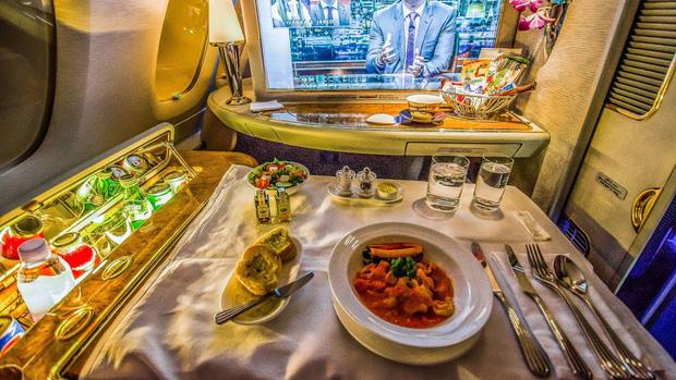 Chuyên trang du lịch công bố 10 hãng hàng không có đồ ăn cao cấp và ngon nhất thế giới, top 2 đều nằm ở châu Á - Ảnh 3.