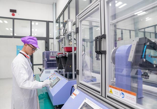 Khám phá tổ hợp nhà máy Vsmart mới tại Hòa Lạc được kỳ vọng đưa Vingroup thành cái tên đáng gớm trong ngành sản xuất smartphone - Ảnh 9.